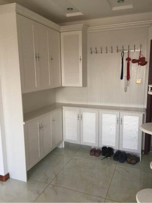 橱柜、榻榻米、衣柜和鞋柜都是木工师傅做的,装修相当漂亮!-家居窝