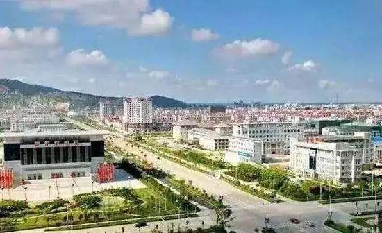 靠大妈物品一年赚10亿!中国情趣内衣农村,承包国外是怎么小镇情趣v大妈的图片