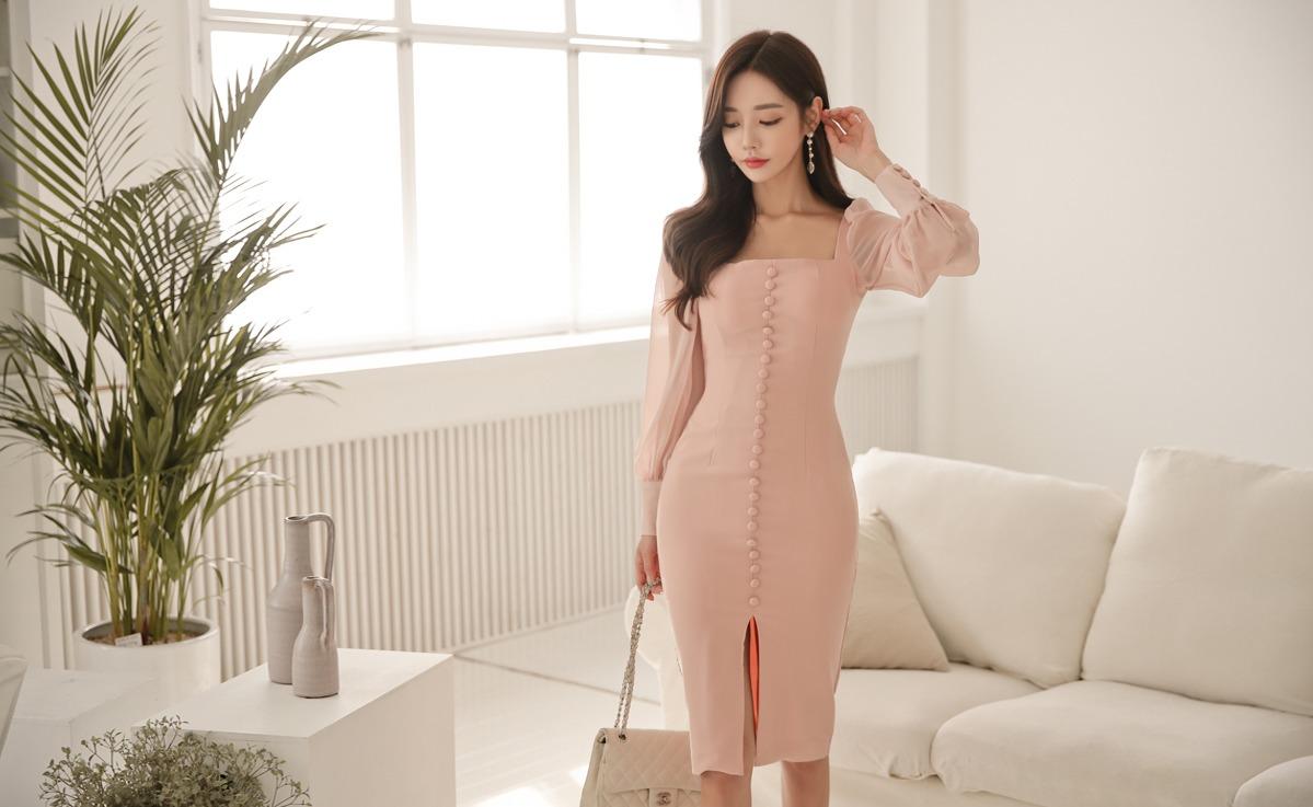 连衣裙穿出简单的好身材