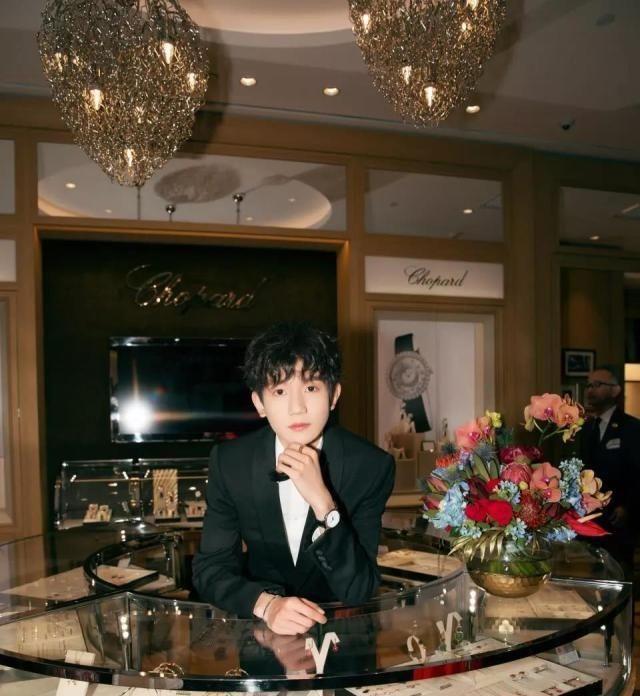 王源新歌推迟发布,粉丝没有不高兴反而很期待,因为有更多的惊喜