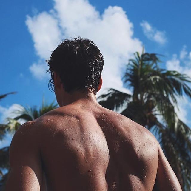 强化背阔肌这样练,三个动作,助你提高背部整体