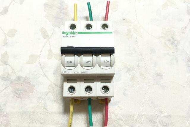 空开和漏保怎么接线?左零右火?左火右零?老电工一个个