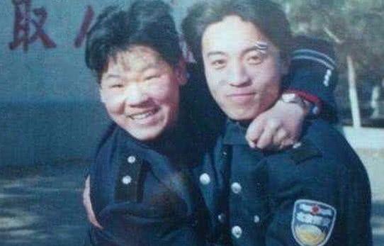 岳云鹏本是服务员,被郭德纲发现后爆红,这算是逆袭吗?