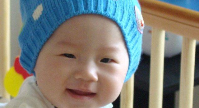 小婴儿不满三个月,这3个地方,父母最好不要手贱去摸!