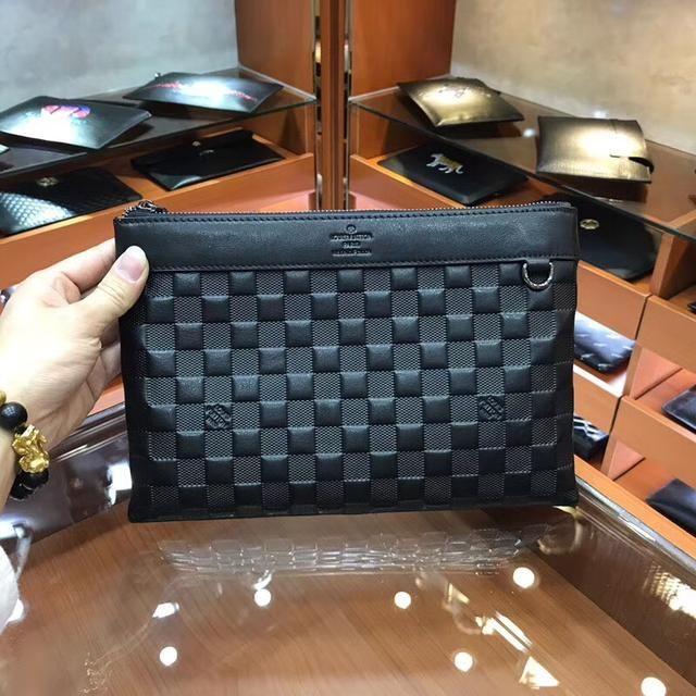 普拉达男士手包最新款奢华与实用的完美结合简直无敌