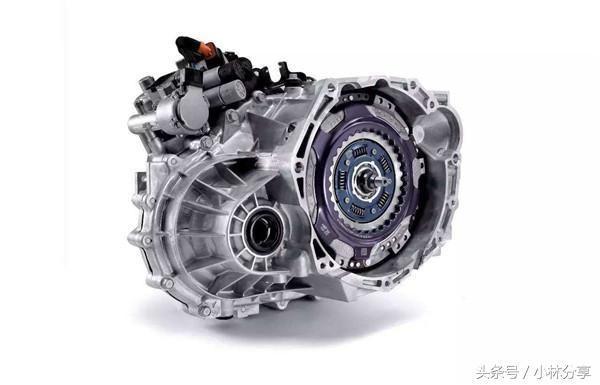 干式双离合变速箱里面有没有油?需要更换的吗?