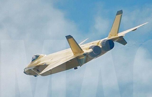 歼20和歼10同时装备矢量发动机,外形曝光,最不淡定的国家是它