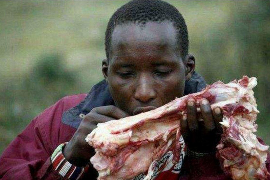 直击:非洲穷人和富人的吃饭对比,差距还真大!图片