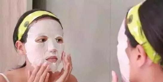 """洗完脸,能不能直接""""敷面膜"""" 我一直做错了,难怪皮肤也不白!"""