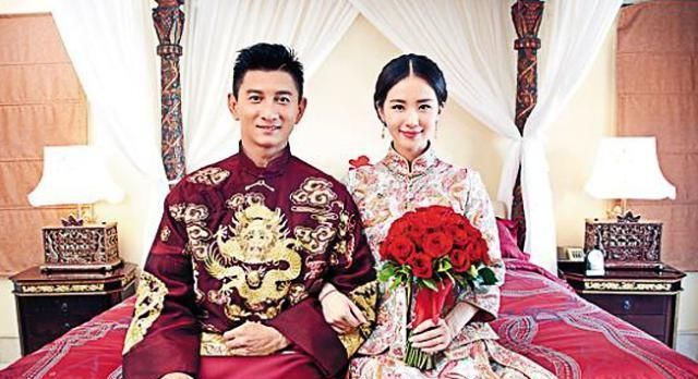 好男人吴奇隆婉拒粉丝挽手,表示自己有老婆,帮刘诗诗宣示主权