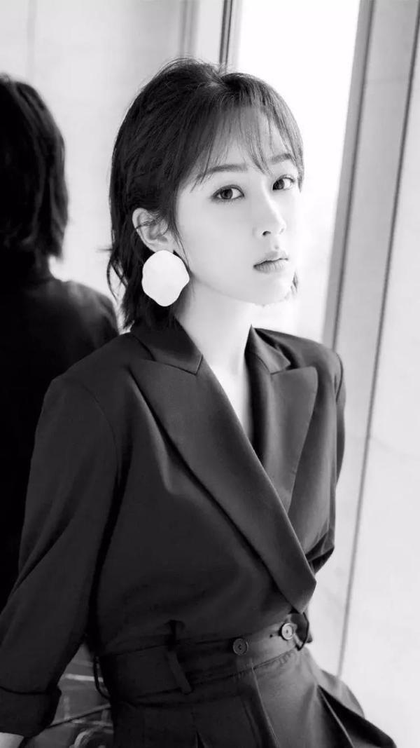 杨紫用途小米原图壁纸,漂亮堪比韩国手机女星高清不会自动弹出usb的手机图片