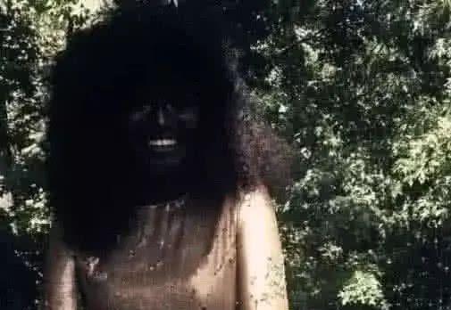 吉尼斯世界之最,知道一个人的脸能黑到啥程度吗,不张嘴都看不见