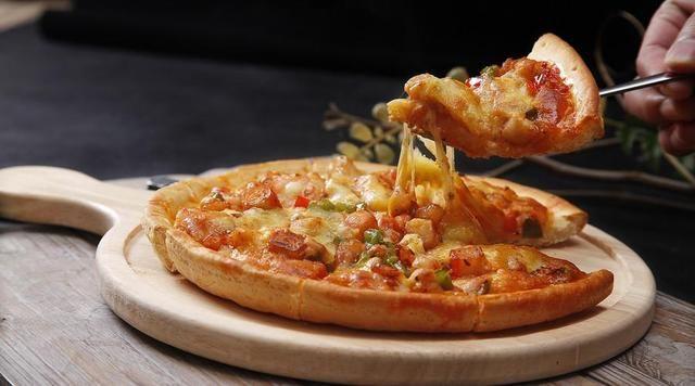最简单的披萨制作方法,没有烤箱也能做