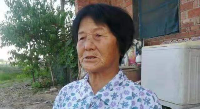 湖北监利戴该喜:辛苦哺养瘫痪儿子39年不离不弃