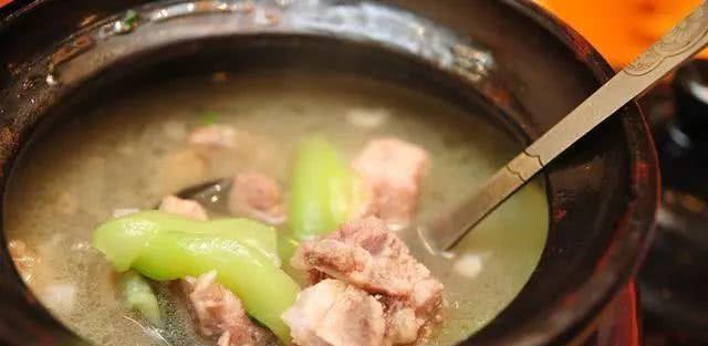 三伏天吃甚么都不如喝汤,中医推荐这几道汤,常喝可安康少病