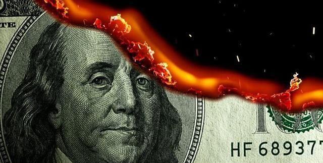 <b>中俄大幅减美债并打破沉默,美国终于有人大胆提出要退回到金本位</b>