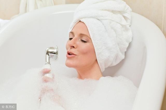 来月经能洗头洗澡吗_月经期间能不能洗头或洗澡?