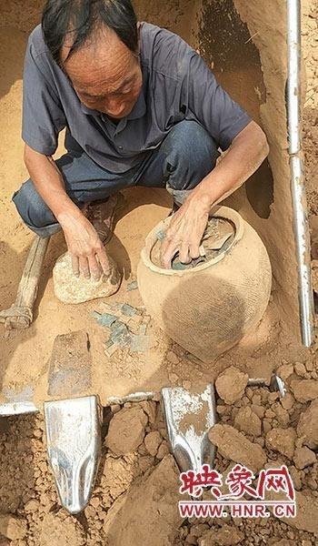 三门峡陕州区一水利在建工地疑似挖出文物
