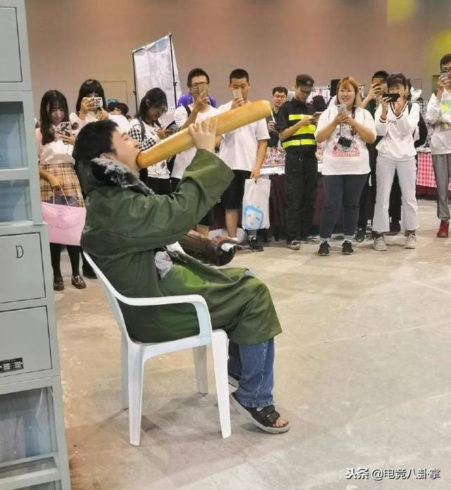 IG王表情吃表情拳头被校长官方看中:很热狗魔性包动画制作狗年图片