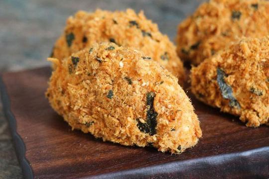 网红螃蟹零食小贝,点心最喜欢的肉松,肚子饿了乌梁素海孩子图片