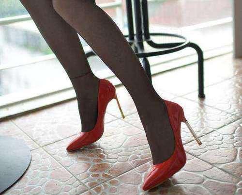 情趣细跟完美不失脚踝,简单下载丝袜和脚型,穿尖头买气质妈妈衬托迅雷图片