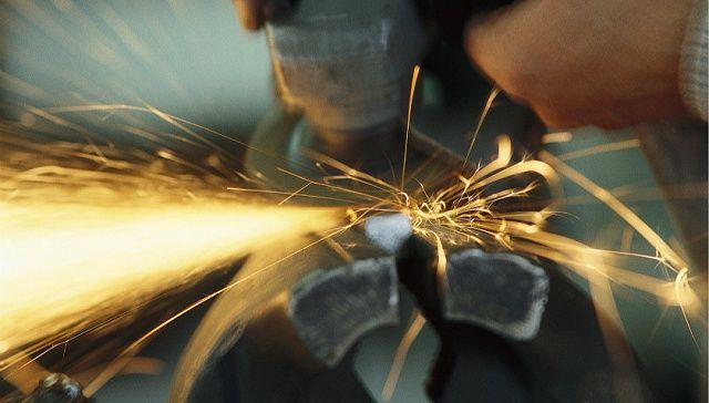 4月财新PMI微升 出口形势严峻亟需关注