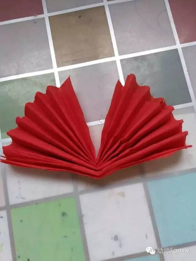 幼儿园小朋友最喜爱的奖品:大红花制作图解教程