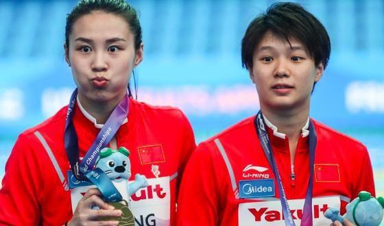 2年14冠,中国巨星4连冠创46年新世界纪录,比肩传奇伏明霞郭晶晶