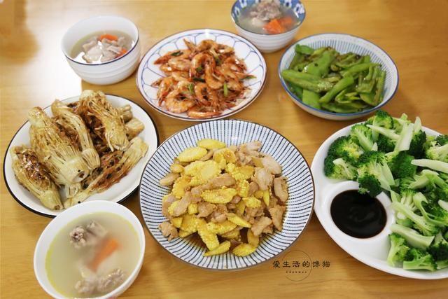 一家人的5菜1汤,我们吃得很开心,但老公觉得肉太少,面子挂不住