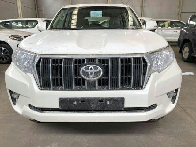 2018款中东版丰田霸道4000七座版新惠价详细配置图片