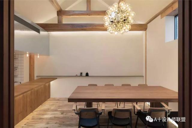 建筑设计事务所 主案设计:青山周平,藤井洋子,杨雨嘉,王丹梨 项目地址